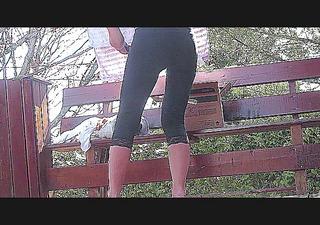 hot leggins booty doing her stuff