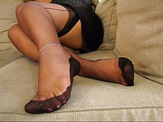 older  fully fashioned nylons legs