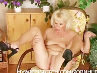 pushing dildo cougar