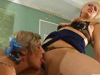 homosexual woman mature babe kissing a babe