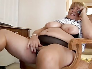 cougar bbw fisting herself