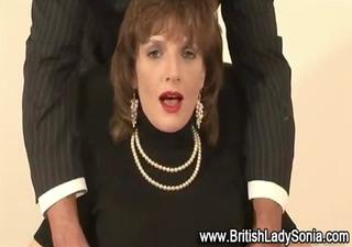british lady gives oral stimulation