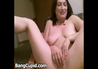 marvelous mother i widens her legs and masturbates