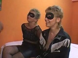 mother and daughter group sex  orgia con mamma e