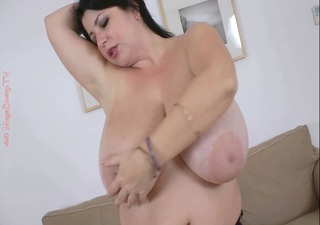 bbw monstrous tits fingering her snatch