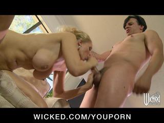 large tit albino woman jenna anna milf give bang